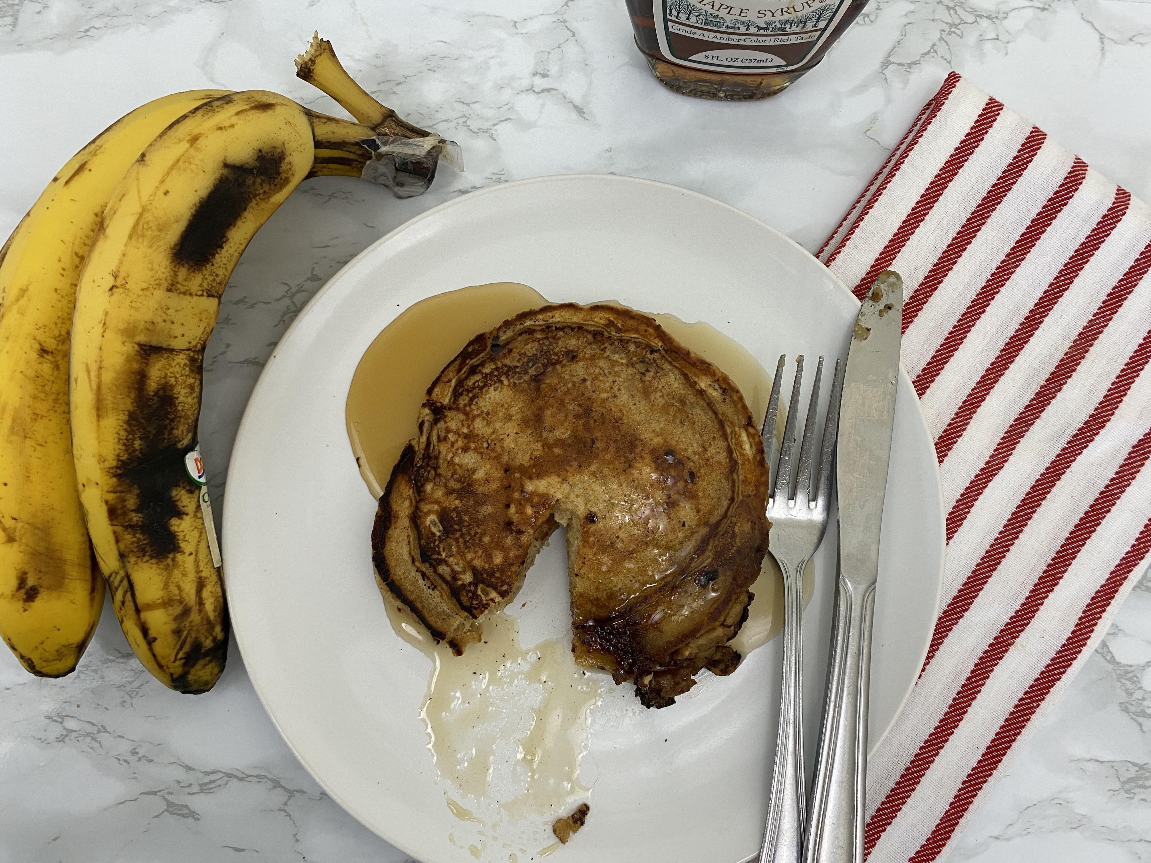 Banana Bread Streusel Pancakes